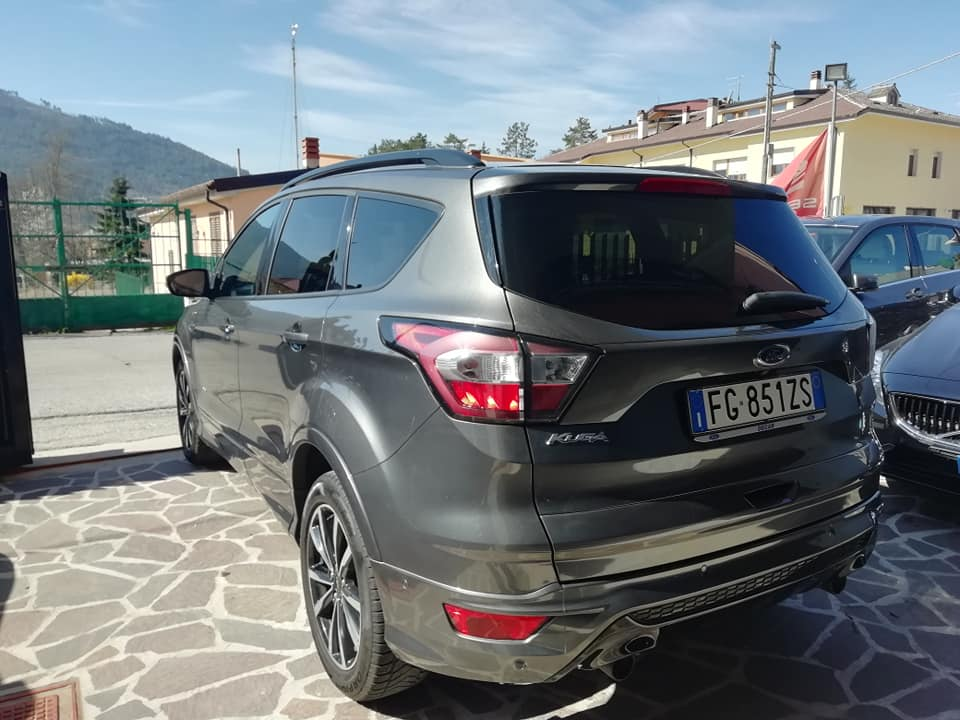 NUOVA FORD KUGA 2.0 TDCI 150 cv AWD POWERSHIFT